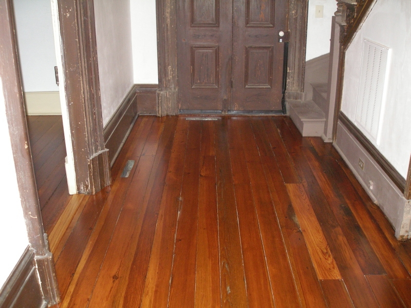 Hardwood flooring refinishing and restoration by apple floor solutions the other end of the hallway area after the heart pine floors were restored tyukafo